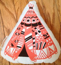 Teepee Screen Print Pillow. Also another fabulous thing I saw at Owl-O-Ween. Find it here, among other things》》》 https://www.etsy.com/listing/158957193/teepee-pillow-screen-printed-plush