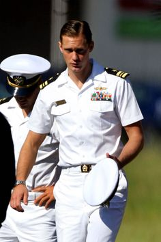 "Alexander Skarsgard (set of ""Battleship"") - men in uniform = HOT. Alexander Skarsgard in uniform = scorching. o....m....g....!!!"