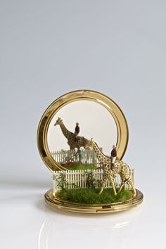 Look at this Little Thing! - Artist Kendall Murray is doing cool things with...