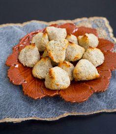 Nyttiga kokostoppar gjorda på 2 ingredienser - Veganska - ZEINAS KITCHEN
