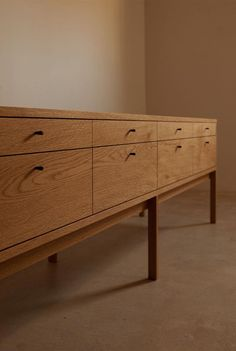Shipping Furniture From Usa To Australia Sideboard Furniture, Furniture Decor, Modern Furniture, Furniture Design, Painted Furniture, Sideboard Cabinet, Japanese Furniture, Gifu, Chaise Vintage