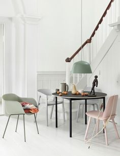 Base Table Round - Modern Scandinavian Design Versatile Table by Muuto - Muuto