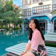 Teen Girl Photography, Korean Beauty Girls, Insta Photo Ideas, Ulzzang Girl, Role Models, Photoshoot, Poses, Shirt Dress, Ig Post