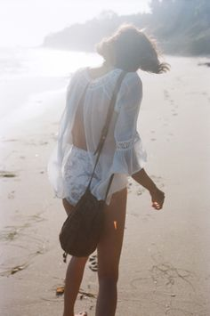 Cute outfit w/ beautiful background. Perfect beach wear.