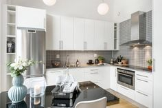 White and grey kitchen Kitchen Island, Kitchen Cabinets, Mini Loft, Appartement Design, Small Apartments, Scandinavian Style, Living Spaces, Dining Room, Home And Garden
