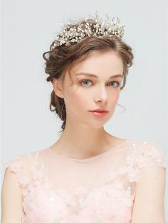 Headband Stunning Crystals Pearls Bridal Tiaras and Crowns Luxury Gold Wedding Accessories 2018 Fashionable Bridal Hair Vine, Bridal Crown, Bridal Tiara, Bridal Headpieces, Boho Headpiece, Pearl Bridal, Headpiece Wedding, Crown Hairstyles, Wedding Hairstyles