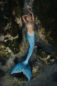 Mermaid Cosplay, Mermaid Pose, Anime Mermaid, Siren Mermaid, Mermaid Costumes, Fantasy Mermaids, Real Mermaids, Mermaids And Mermen, Mermaid Artwork