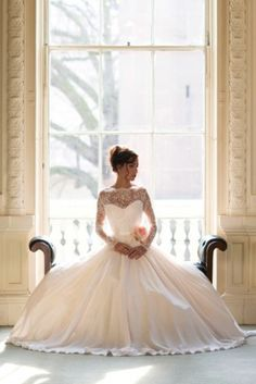 Oh my sweet lord perfection. Fleur #wedding #dress #vintage Naomi Neoh 2014 collection