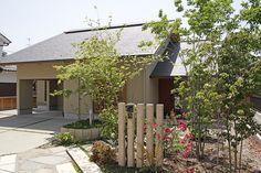 平屋建てに見えるようなお家を、という希望から間取りが決まりました。