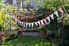 44 Magnificient Summer Garden Decor Ideas For Your Kids Party Easy Craft Projects, Easy Crafts, Craft Ideas, Garden Bunting, Garden Party Decorations, Birthday Decorations, Night Garden, Garden Party Wedding, Outdoor Parties