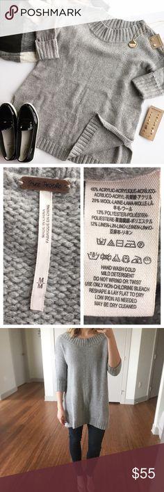 """HP - FREE PEOPLE - Oversize Wool Blend Sweater Cozy & cute this oversized sweater is perfect to wear with leggings for a casual vibe or dress up with heels and skinny jeans! Excellent pre-loved condition, no flaws. True to size if going for an oversized fit. Approx. Measurements  Bust: 22"""" Length: 29.5"""" Bundle & Save 20% on 2+ items! No trades / selling off of Posh.  ✨Offers always welcome!✨ Free People Sweaters Crew & Scoop Necks"""