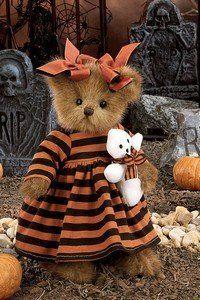Bearington Bear Julie & Ghoulie Halloween by Bearington, http://www.amazon.com/dp/B002MANM1U/ref=cm_sw_r_pi_dp_deFEqb13HNBB3