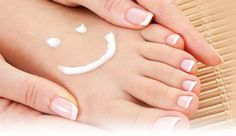 This post reveals the best ever DIY pedicure products for achieving soft, smooth feet at home. I've tried and tested all of these and can attest that they work like a charm. Skin Peeling Treatment, Smooth Feet, Dry Skin Remedies, Thick Skin, Foot Cream, Feet Care, Diy Pedicure, Health, Beauty