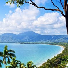 Overlooking postcard-perfect Four Mile Beach in Port Douglas, North Queensland, Australia Queensland Australia, Australia Travel, Places To Travel, Places To See, Australian Beach, Holiday Places, Roadtrip, Beautiful Beaches, The Great Outdoors