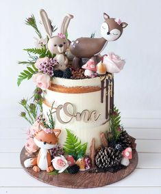 Animal Birthday Cakes, Creative Birthday Cakes, Baby Birthday Cakes, Animal Cakes, Gateau Baby Shower Garcon, Woodland Theme Cake, Cupcakes Decorados, Happy 1st Birthdays, Gorgeous Cakes