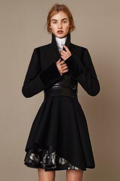 Alexander McQueen Pre-Fall 2015 Runway – Vogue Feminine silhouette enhanced with wide belt around waist.