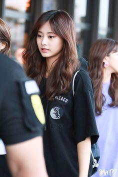 Kpop Girl Groups, Korean Girl Groups, Kpop Girls, Cute Girl Outfits, Kpop Outfits, Nayeon, Twice Tzuyu, Chou Tzu Yu, Dahyun