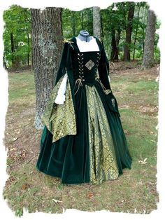 #Custom Embroidered Velvet green Court Gown green dresses #2dayslook #new style #greenstyle www.2dayslook.com