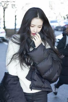 Kpop Girl Groups, Kpop Girls, Apink Naeun, Son Na Eun, Beauty Portrait, Airport Style, Beautiful Asian Girls, Ulzzang Girl, Korean Girl