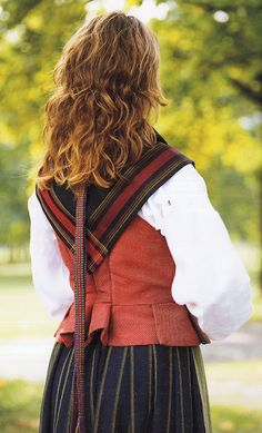 FolkCostume&Embroidery: Overview of Norwegian Costumes. Part the Southeast. Norwegian Clothing, Beautiful Costumes, Folk Costume, Norway, Culture, Embroidery, Folk Art, Clothes, Search