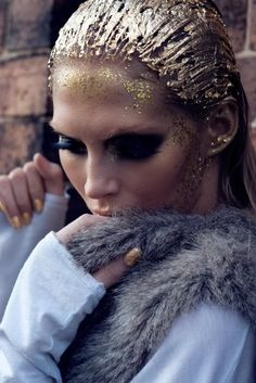 gold glitter in the hair, I think SO!
