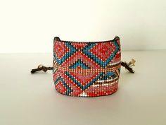 Modèle GIZEH - Bracelet manchette tressé main en perles Miyuki cuivre, rouge et bleu : Bracelet par ma-little-cherie