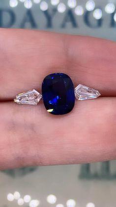 Sapphire Jewelry, Blue Rings, Sapphire Diamond Rings, Blue Diamond Jewelry, Saphire Ring, Sapphire Stone, Stone Ring Design, Antique Jewellery Designs, Gem Diamonds