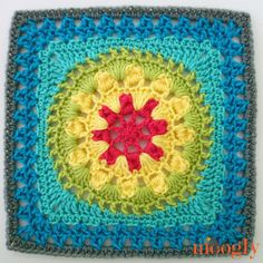 Moogly CAL 2017 Block Ombre Flower Garden Square by The Lavender Chair - free crochet pattern. Crochet Blocks, Granny Square Crochet Pattern, Crochet Squares, Crochet Granny, Crochet Motif, Crochet Stitches, Granny Squares, Crochet Patterns, Free Crochet