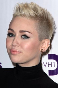 I miss my undercut :/  Miley - Find the Best Pixie for Your Face Shape