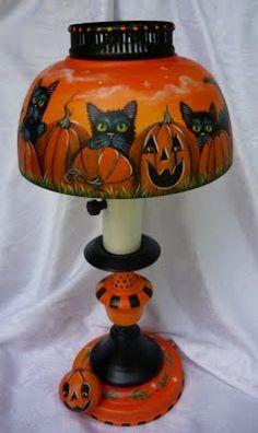 ~Three Little Kittens~ HP Vintage Halloween Lamp Halloween Labels, Spooky Halloween, Holidays Halloween, Vintage Halloween, Halloween Pumpkins, Happy Halloween, Halloween Stuff, Halloween Makeup, Whimsical Halloween