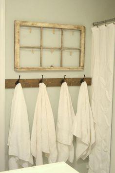 Coastal Home Interior Rustic towel hooks in Guest Bathroom Rustic Bathroom Designs, Rustic Bathroom Decor, Rustic Bathrooms, Bedroom Rustic, Kitchen Rustic, Rustic Farmhouse, Chic Bathrooms, Design Bathroom, Farmhouse Ideas