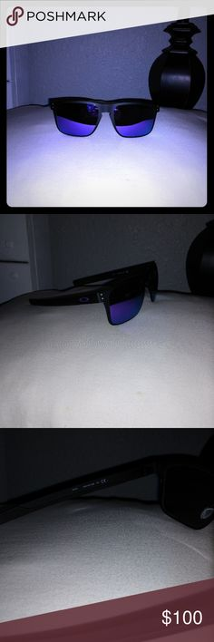 Oakley Sunglasses Brand New Product details  Frame color: matte black  Lens color: violet iridium  Fit: standard  Product Code: OO4123-1455  HIGH DEFINITION OPTICS® LENSES  All Oakley lenses offer HDO® Technology with the following benefits:  Clarity: Conventional lenses can magnify images. HDO® precision gives less distorted vision across the entire field of view.  Refraction: With regular lenses, objects aren't really where you see them. HDO® offers a truer visual image so your brain won't…