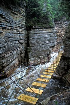 Perilous Venture (Ausable Chasm), the Grand Canyon of the Adirondacks, New York. // Photo by Canned Cumulus