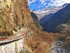Yamunotri Trek Route.. #Uttarakhand #Uttaranchal #Chardham #trek #trekking #photography #goproin #goproindia #selfie #snowfall #snow #India #clouds #sky #roadtrip #motorcyclediaries #photo #instagood #vacation #snow #ride #backpacker #travelIndia #friends #pic #instahood #mountains #snowfall #Snowclad