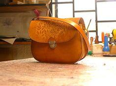 67ed7b5585e Kabelka kožená vzorovaná s paspulou   Tanflow - SAShE.sk - Handmade Kabelky