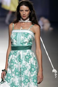 """Ailanto Spring/Summer 2006 Madrid #CheersToCait #EnRouteToGG """"Let my soul smile through my heart and my heart smile through my eyes, that I may scatter rich smiles in sad hearts."""" - Paramahansa Yogananda"""