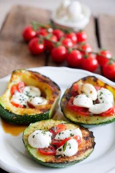 Gegrillte Zucchini Tomate-Mozzarella Low Carb