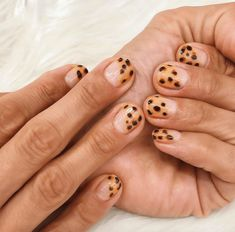 We're Paintbucket, a modern nail shop in Williamsburg, Brooklyn. At Paintbucket, caring for your nails is fun and indulgent — never a chore. Nail Design Stiletto, Nail Design Glitter, Glitter Makeup, Ten Nails, Acryl Nails, Cheetah Nails, Modern Nails, Thanksgiving Nails, Minimalist Nails