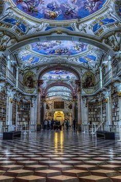 Biblioteca del monasterio de Austria.