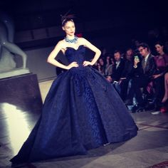 Wow!! @Elizabeth Holmes thx for sharing @Zac_Posen's closing #NYFW look. @Coco Rocha looks simply stunning!!