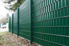 Privacy fence green. Geen inkijk meer dankzij ZichtDicht lamellen; keuze uit ruim 50 kleuren/designs.