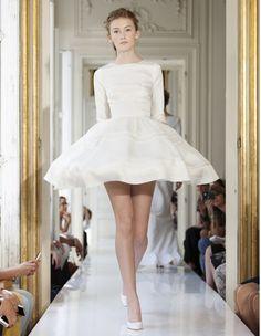 Robe courte en organza de soie Delphine Manivet - 50 robes de mariée qui changent