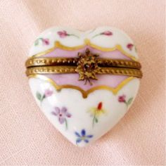 hand painted porcelain   hinged Limoges box