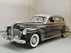 Vintage Cars 1941 Buick Limited Four Door Touring Sedan Vintage Cars, Antique Cars, Buick Cars, Buick Sedan, Buick Roadmaster, Us Cars, Cadillac, Cars Motorcycles, Luxury Cars