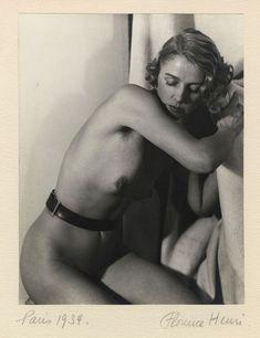 Vintage nude photo by Florence Henri, 1934 Matt Hardy, Florence Henri, John Batho, Laszlo Moholy Nagy, Ziegfeld Girls, Nude Portrait, Experimental Photography, Moving To California, Famous Photographers