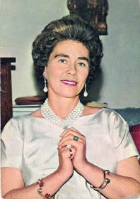images queen frederica of greece Queen Sophia, Queen Mary, Queen Elizabeth, Greek Royal Family, Danish Royal Family, Greek Royalty, Royal Queen, Royal Jewels, Royal Weddings
