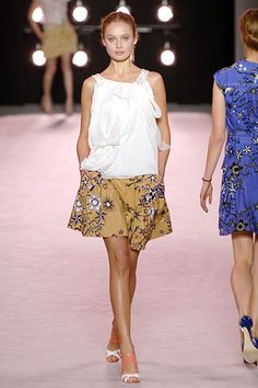 Nina Ricci | Spring 2006 Ready-to-Wear Collection | Style.com