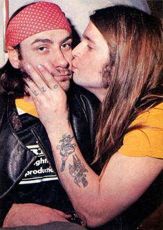 NUOVO Rosa Bandana Sciarpa Bandana Punk Rock Graffiti Stile Urban KISS TESCHIO HOT