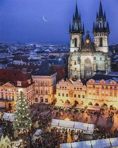 There is usually some snow in Prague before Christmas and then again in January, February, and even March, but every Prague winter is different. World Travel Guide, Travel Guides, Prague Winter, Visit Prague, Prague Czech Republic, Old Town Square, Barcelona Cathedral, Travel Destinations, Scenery