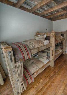 Why buy when there are these 34 bunk beds?Interior design is very important, but you should probably also think about the living and play space your children need. So DIY bunk beds can be the Bunk Beds With Stairs, Cool Bunk Beds, Kids Bunk Beds, Loft Spaces, Small Spaces, Small Rooms, Small Bathrooms, Bunk Rooms, Bunk Bed Designs